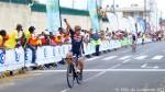 Arrivée du vainqueur de cette 1ère étape du tour (167 km) entre Pointe-à-Pitre et Lamentin : l'espagnol Julio Amores de l'équipe dominicaine Inteja-MMR