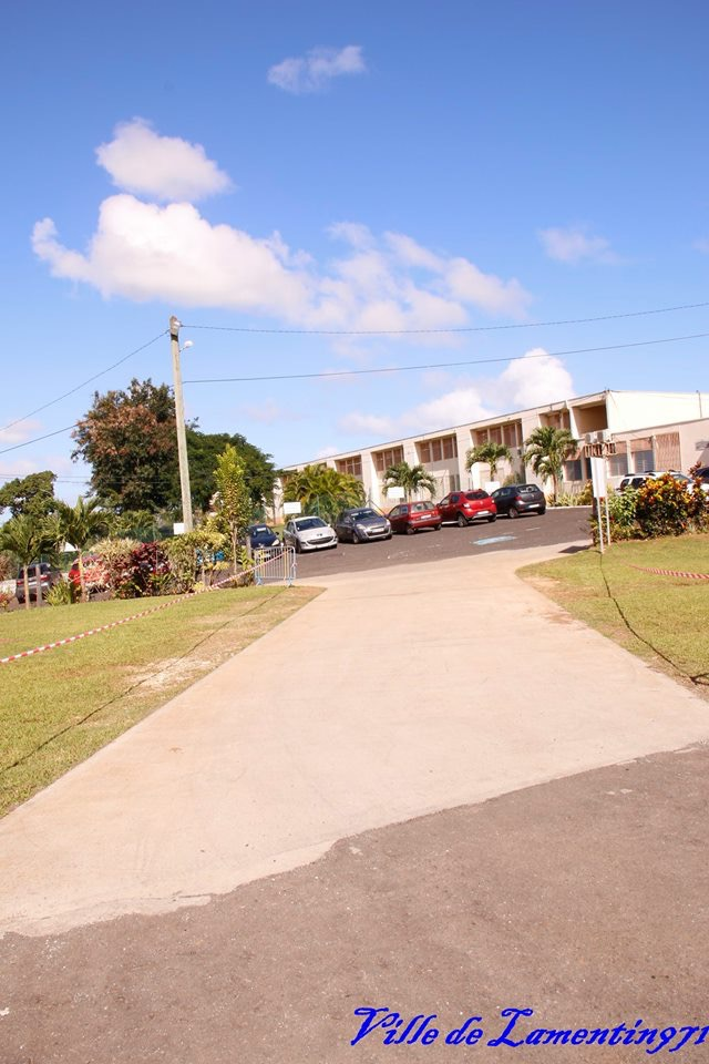 Réfection du parking visiteurs Ecole de Vincent. Année 2017