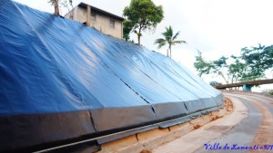 Réalisation d'un mur de soutènement suite au cyclone Maria.Travaux réalisés par la Région Guadeloupe. Année 2017