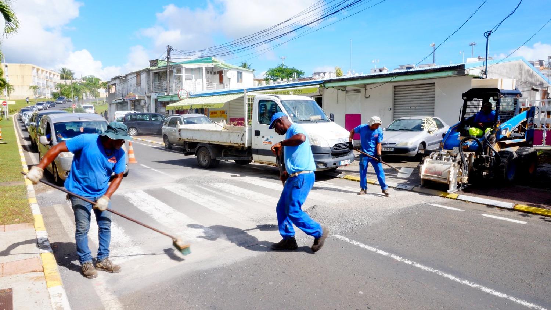 Réalisation de ralentisseur au bas du bourg. 25 Mai 2018