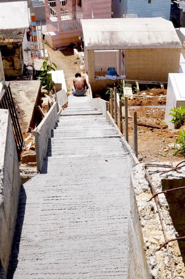 Elargissement des allées du cimetière de la Ville. Année 2015